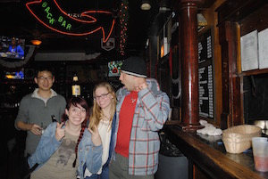 Wrigley Hostel loves taking you to the best Chicago bars in Wrigleyville!