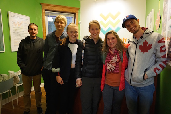 Another Wrigley Hostel Group going to Comedy Night in Chicago