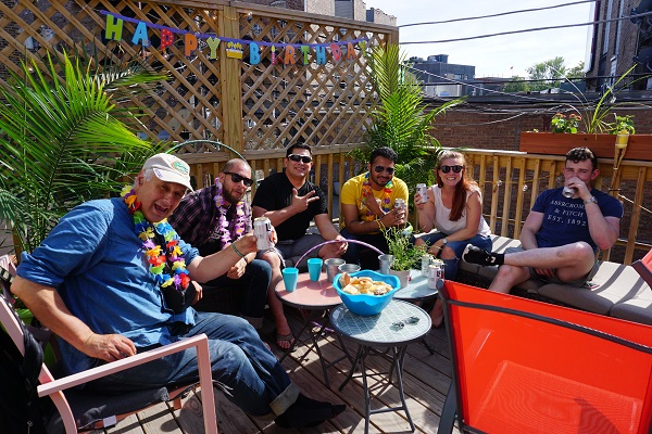 Wrigley Hostel Stay To Play Hostel In Chicago